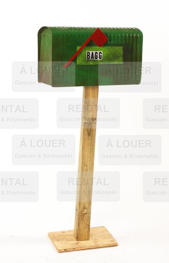 Boîte aux lettres résidentielle rurale métal vert (pied maintenant gris)
