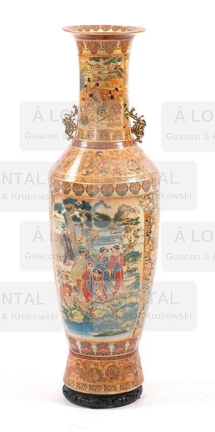 Grand vase asiatique, porcelaine