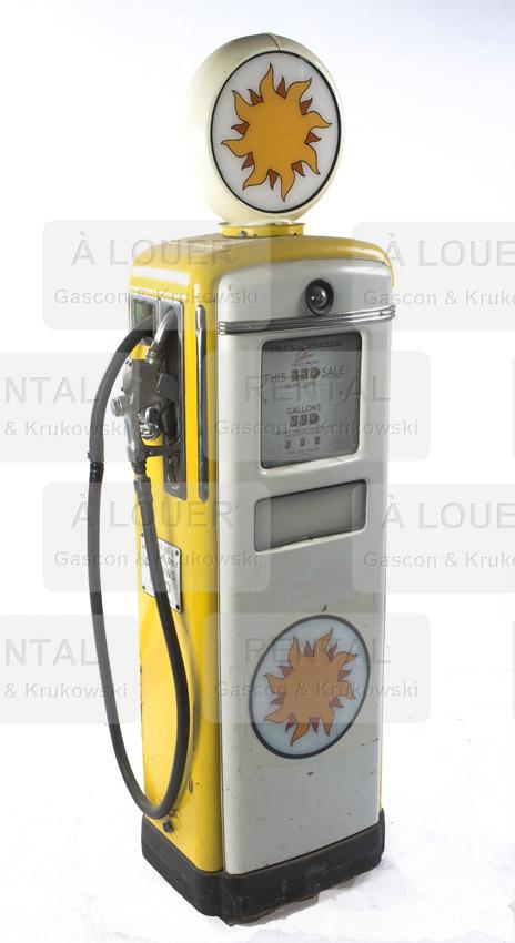 Pompe à essence (top lumière manquant)